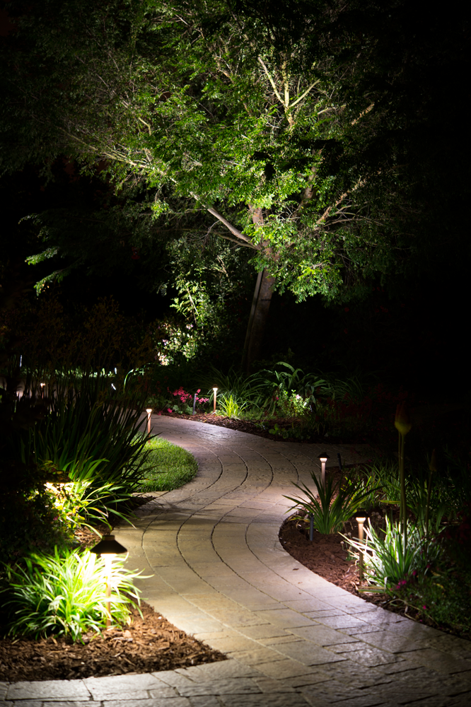 Benefits of landscape lighting fx luminaire for Luminaire outdoor design