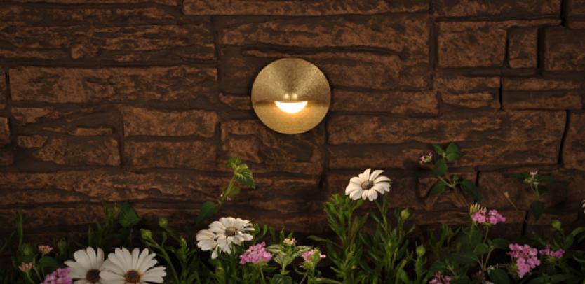 CG Incandescent Wall Light