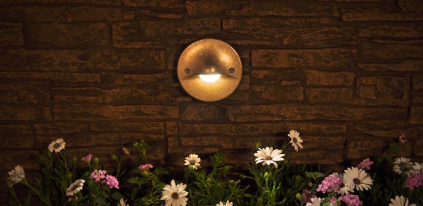 ML Incandescent Wall Light